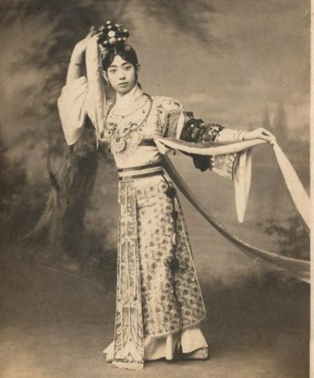 1920年-1940年,梅兰芳戏装照。