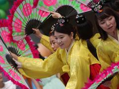 天津青少年活动中心迎接韩国青年代表团