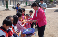 青县干部带头参加1+1帮扶贫困学生活动