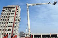 101米世界最高消防云梯亮相武汉校园