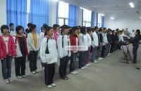 南宁中小学每天活动一小时 学校建运动队合唱团