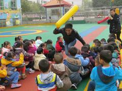 渑池县直幼儿园:聘请男教师 开设体智能课程