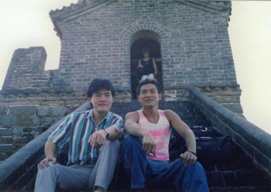 毛吉成(左)与香港著名演员刘德华(右)