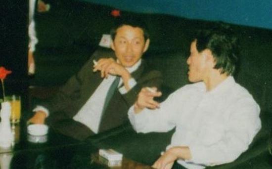 毛吉成(右)与著名演员陈道明(左)