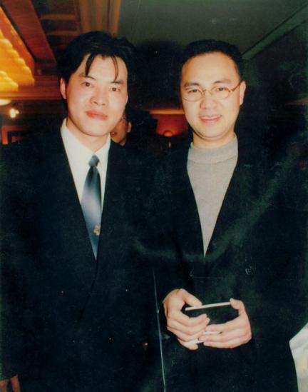 毛吉成(左)与著名歌手、音乐人童安格(右)