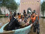 特大暴雨肆虐北京 429名受洪水围困师生平安脱险