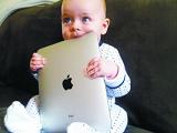 热议:五岁孩子20%会用iPad 仅11%会系鞋带吗