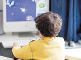 中高考后的学生最易染上网瘾 家长需高度重视