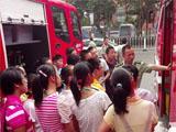 铜陵组织青少年走进军营 加强安全教育