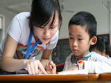 新加坡新科技中学校长:师生沟通很重要