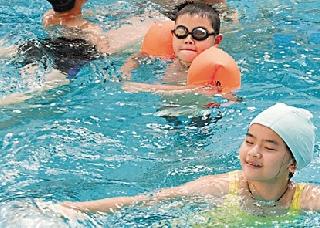 孙杨叶诗文带起杭州游泳风 娃学游泳几岁好?