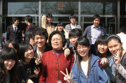 刘彭芝:引领和担当才是完整真实的人大附中