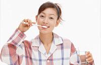 舌苔牙刷:治标不治本反损味觉