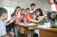 零距离呵护学生健康成长