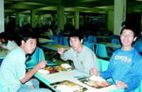 在大学食堂就餐必知礼仪面面观