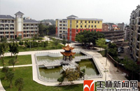 """容县高中:繁花似锦的""""森林校园"""""""