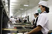 长沙岳麓百所学校食堂将装摄像头 营养专家配菜