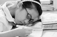 睡眠不足成中国青少年隐性伤害