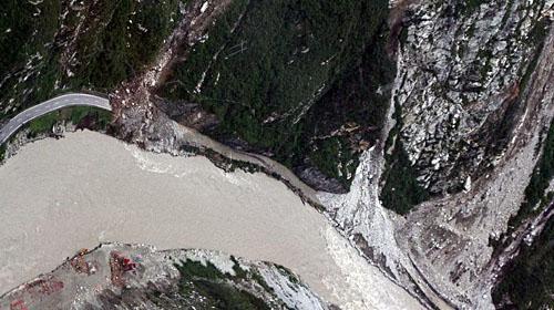 泥石流流动的全过程一般只有几个小时,短的只有几分钟。