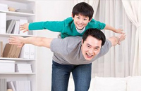 单亲家庭的孩子更怕生吗?